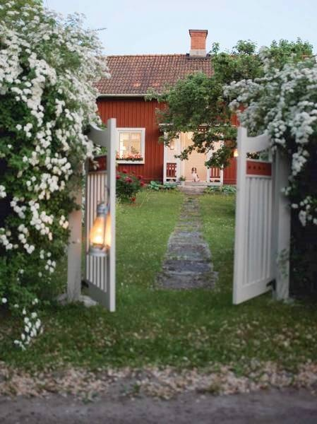 Now this is a cozy entrance...