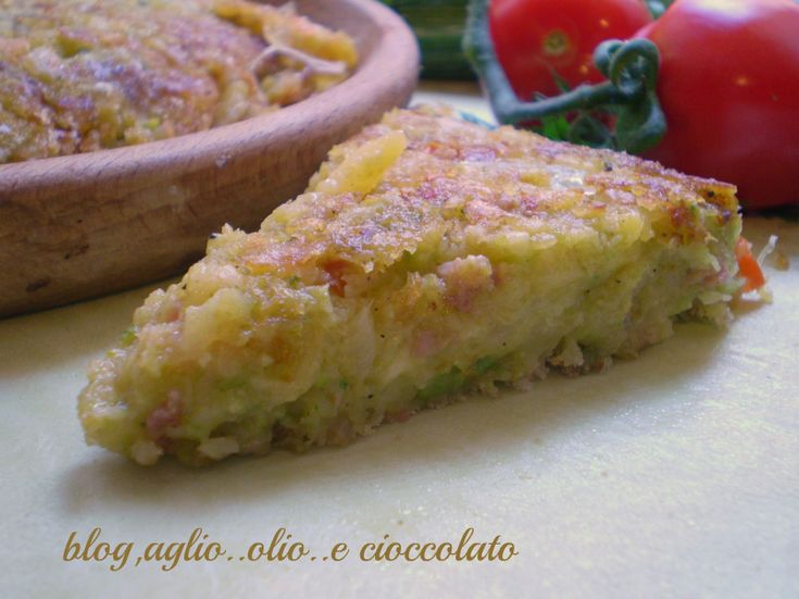 La frittata con patate zucchine e salsiccia,è un secondo molto sfizioso e gustoso.Ci vuole veramente pochissimo tempo per farla