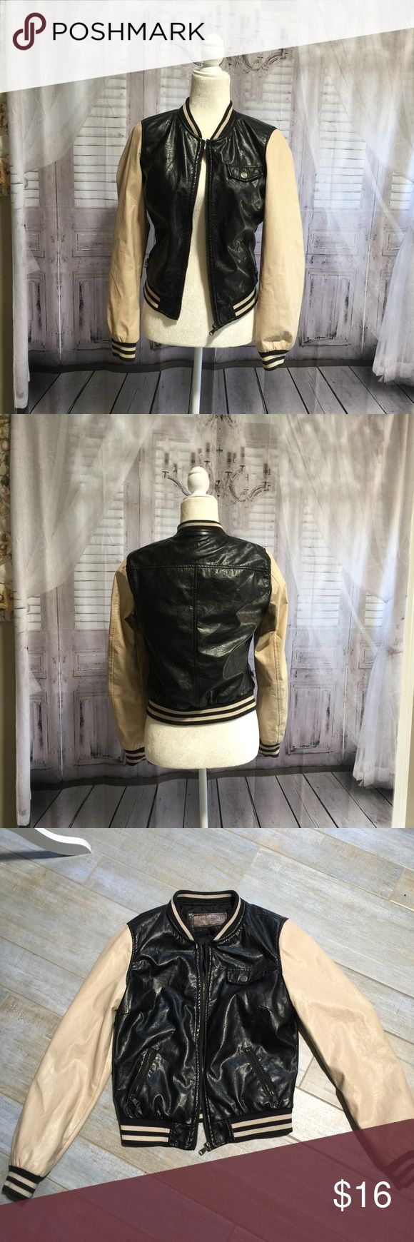 Letterman Varsity  school jacket 🏈Letterman Varsity  school jacket. I ❤️the look of this jacket. Reminds me of school in a classic black and beige. Super fun style!🏈⚾️⚽️🏐 ci sono Jackets & Coats