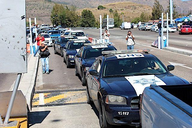 Blindan federales las casetas de cobro de Guerrero - http://notimundo.com.mx/estados/blindan-federales-las-casetas-de-cobro-de-guerrero/28662