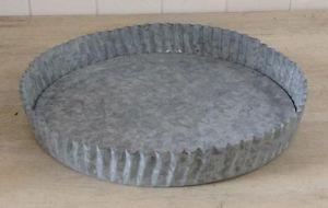 Assiette à tarte en fer galvanisé. Fond amovible