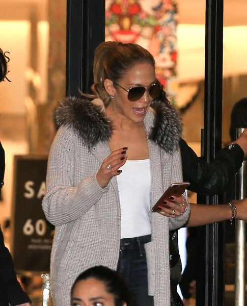 Jennifer Lopez is seen out shopping on Gucci on December 22, 2016.