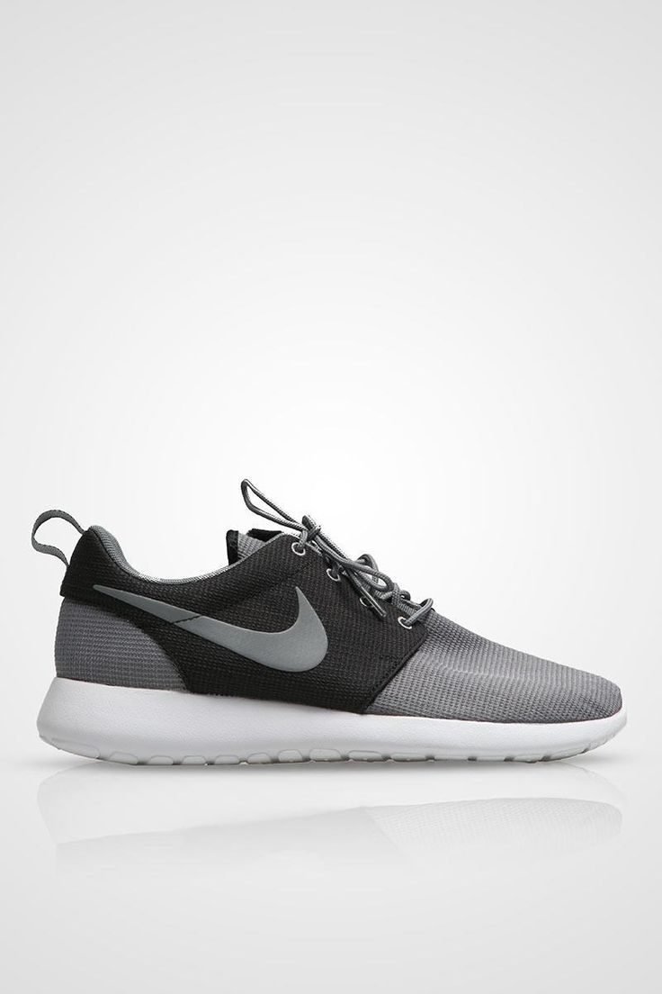 MEN NIKE ROSHERUN GREY BLACK