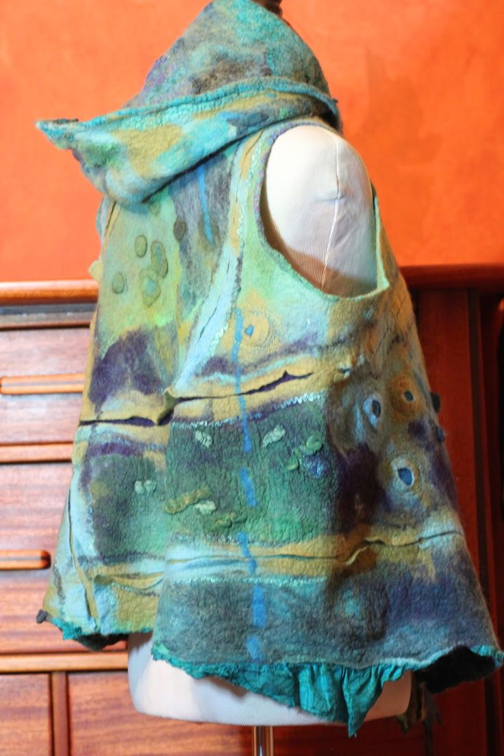 Studio 907: The Making of a Seamless Nuno Felted Hoodie