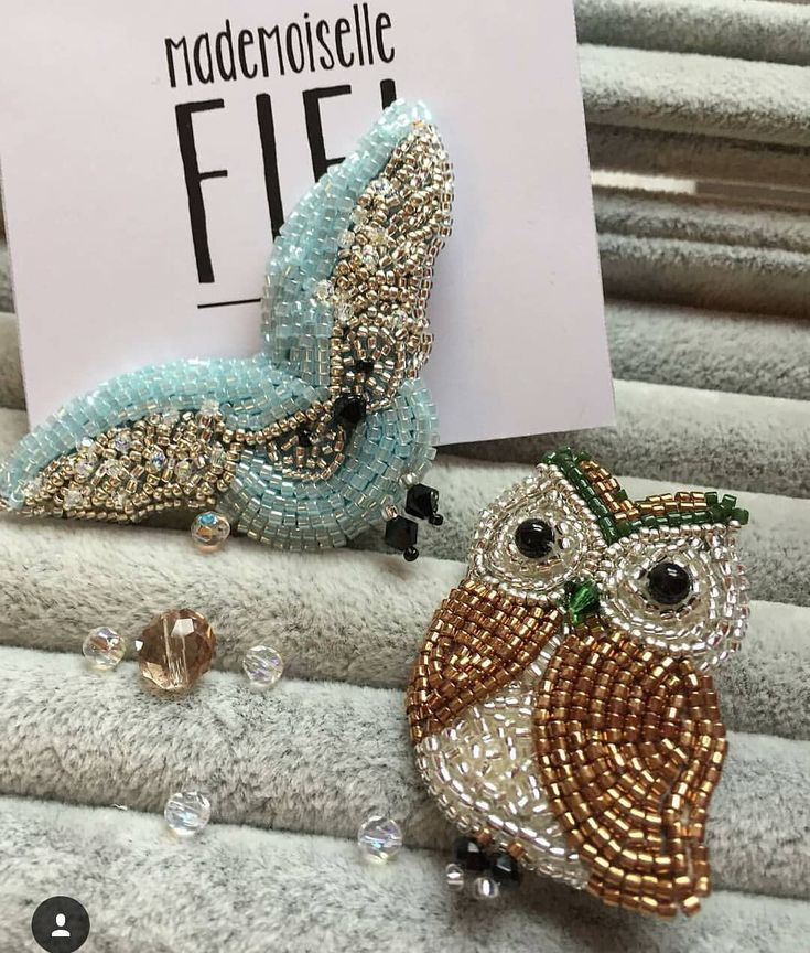 Автор @mademoiselle_fi_fi_ 〰〰〰〰〰〰〰〰〰〰〰〰〰〰 По всем вопросам обращайтесь к авторам изделий!!! #ручнаяработа #брошьизбисера #брошьручнойработы #вышивкабисером #мастер #бисер #handmade_prostor #handmadejewelry #brooch #beads #crystal #embroidery #swarovskicrystals #swarovski #купитьброшь #украшенияручнойработы #handmade #handemroidery #брошь #кольеручнойработы #кольеизбисера #браслеты #браслетручнойработы #сутажныеукрашения #сутаж #шибори #полимернаяглина #украшенияизполимернойглины