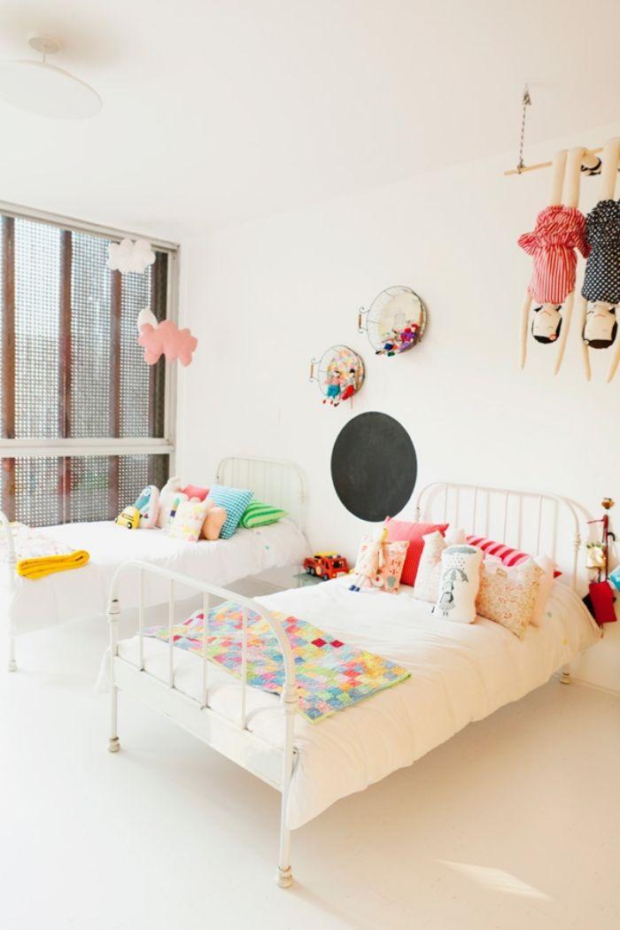shared kid's bedroom