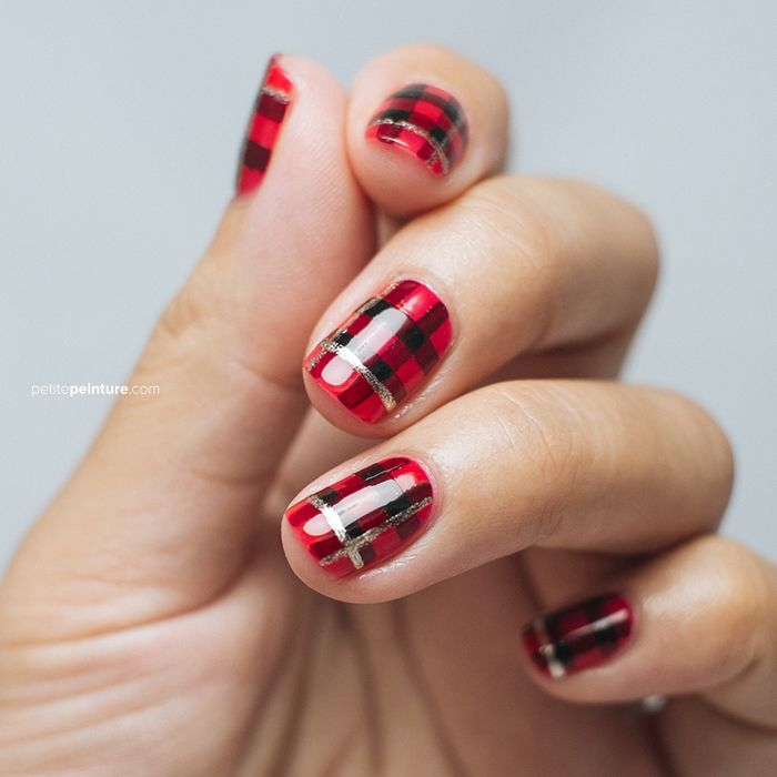 DIY: red and gold-accented tartan nails