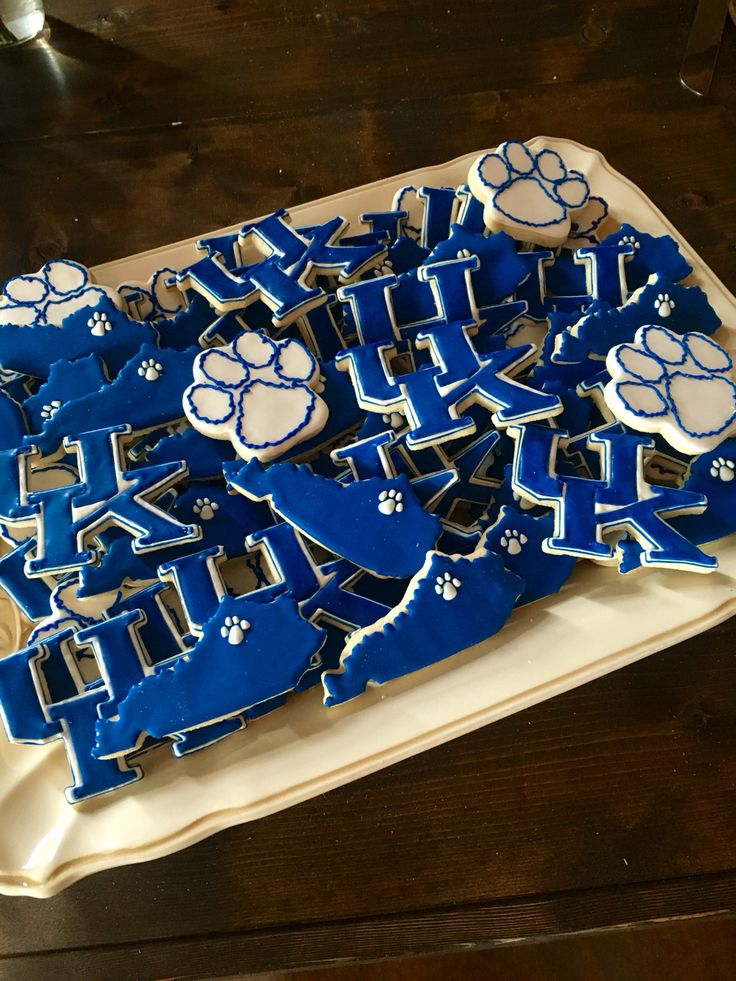 University of Kentucky UK cookies. Shop the UK and Kentucky Cookie Cutters at KYrestaurantsupply.com