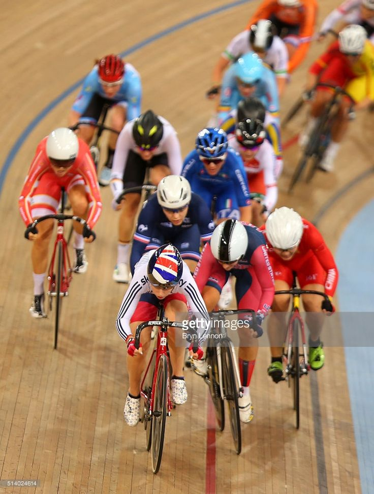 Laura Trott of Great Britain leads a lap in the points race of the Women's Omnium during Day Five of the UCI Track Cycling World Championships at Lee Valley Velopark Velodrome on March 6, 2016 in London, England. #TWC2016 #rm_112