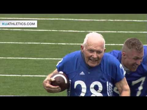 Bryan Sperry Touchdown in Alumni Game // Kansas Football // 4.25.15 // This 89 year old played for KU in the late 1940's.