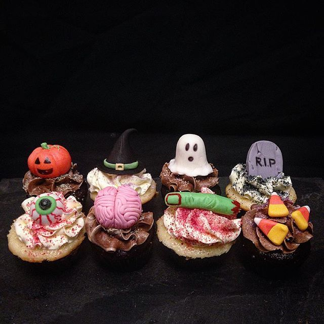 #Halloweencupcakes are perfect for all of this years #Halloween parties! Available in regular size or mini, and a variety of flavours including #glutenfree! Preorder to avoid disappointment! #eyeballcupcake  #pumpkin #fingercupcake #braincupcake #candycorn #witchcupcake  #cupcakes #cakes #sassycups #donuts #cheesecake #buttercream #custom #halloweendessert #portcredit #toronto #mississauga #gta #foodporn #cakeporn #dessertporn #mississaugabakery #portcreditbakery #torontobakery #gtabakery…