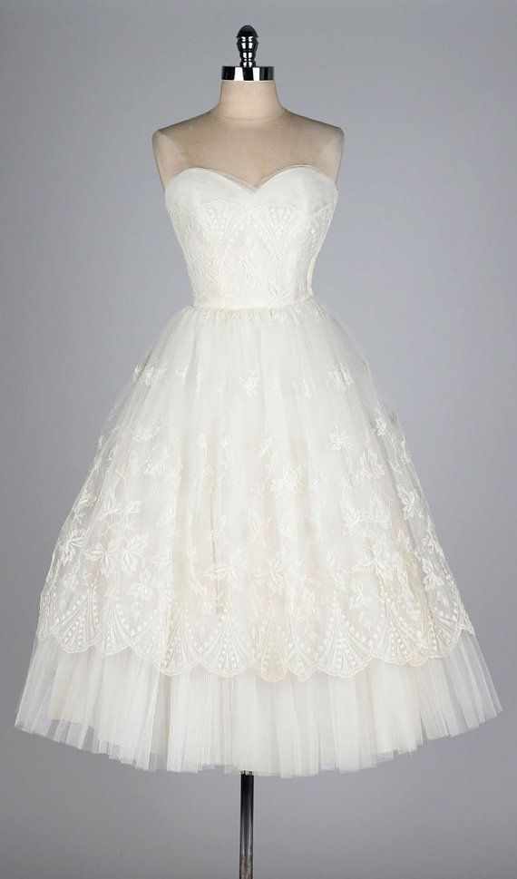vintage 1950s dress . princess wedding . by millstreetvintage