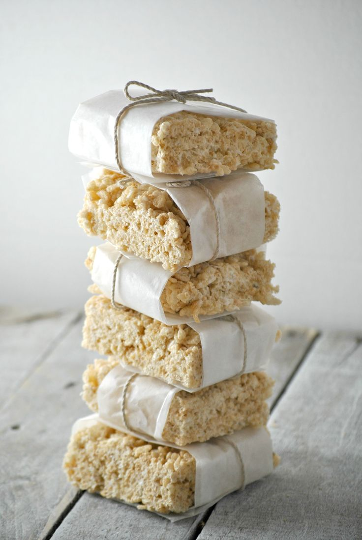NO BAKE Vegan Rice Crispy Treats made with Dandies Marshmallows, coconut oil, vegan butter, and rice crispy's