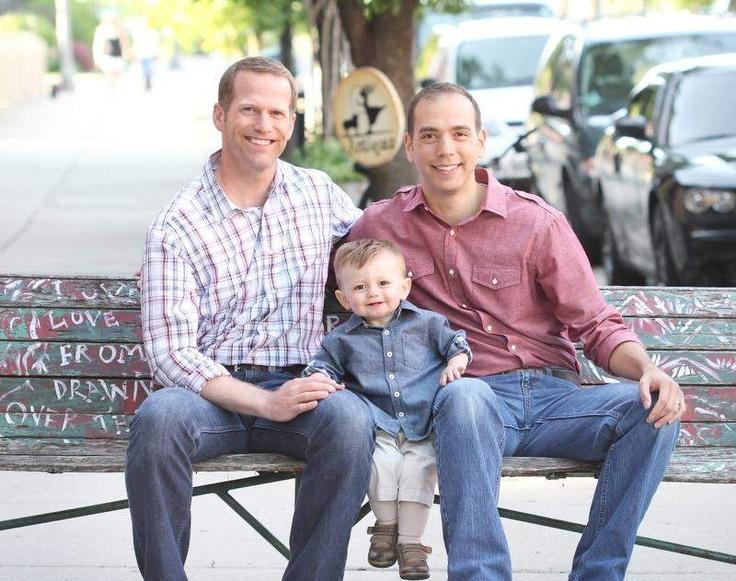 Гей фотки дома папа и син