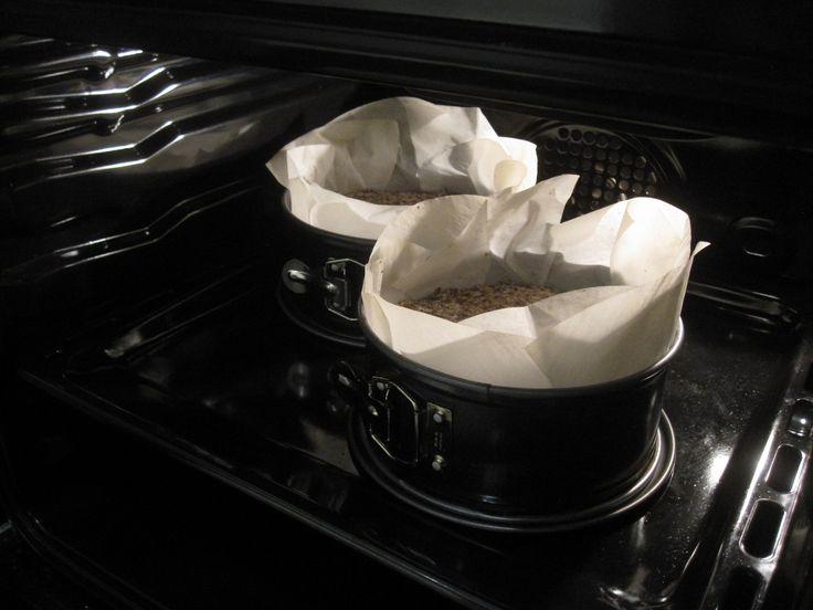 Sarah Britton … dein LIFE-CHANGING LOAF OF BREADist wunderbar! Der Name des Brotes untertreibt nicht, denn seit ich dieses Rezept kenne, habe ich meistens ein Brot davon in der Küche stehen und war nicht mehr beim Bäcker. Es ist so … Weiterlesen →