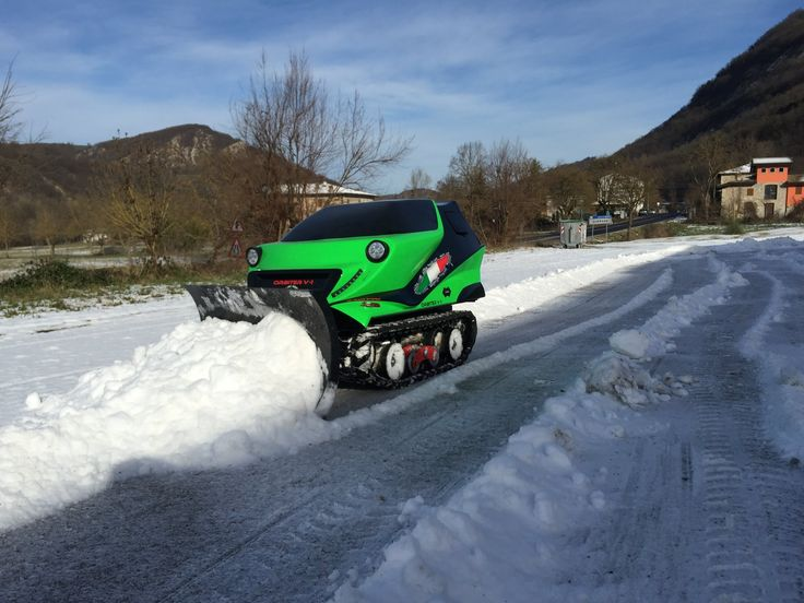 Robot Snow Plowing ATR-ORBITER Stress Test ( SNOW 2015 FROM CANOSSA ITALY)