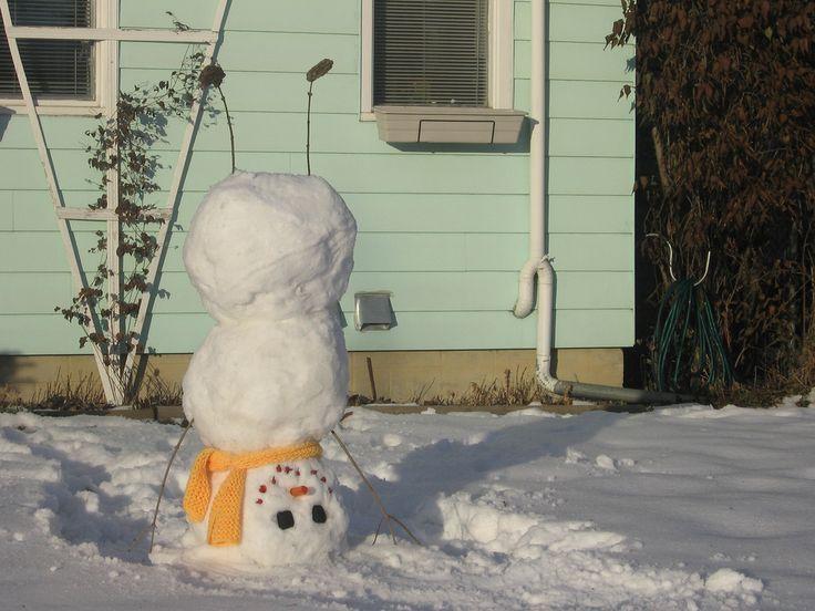 CUTE!: Remember This, Snowmen, Seasons, Winter Fun, Cute Ideas, Front Yard, Snowman, Kids, Handstand