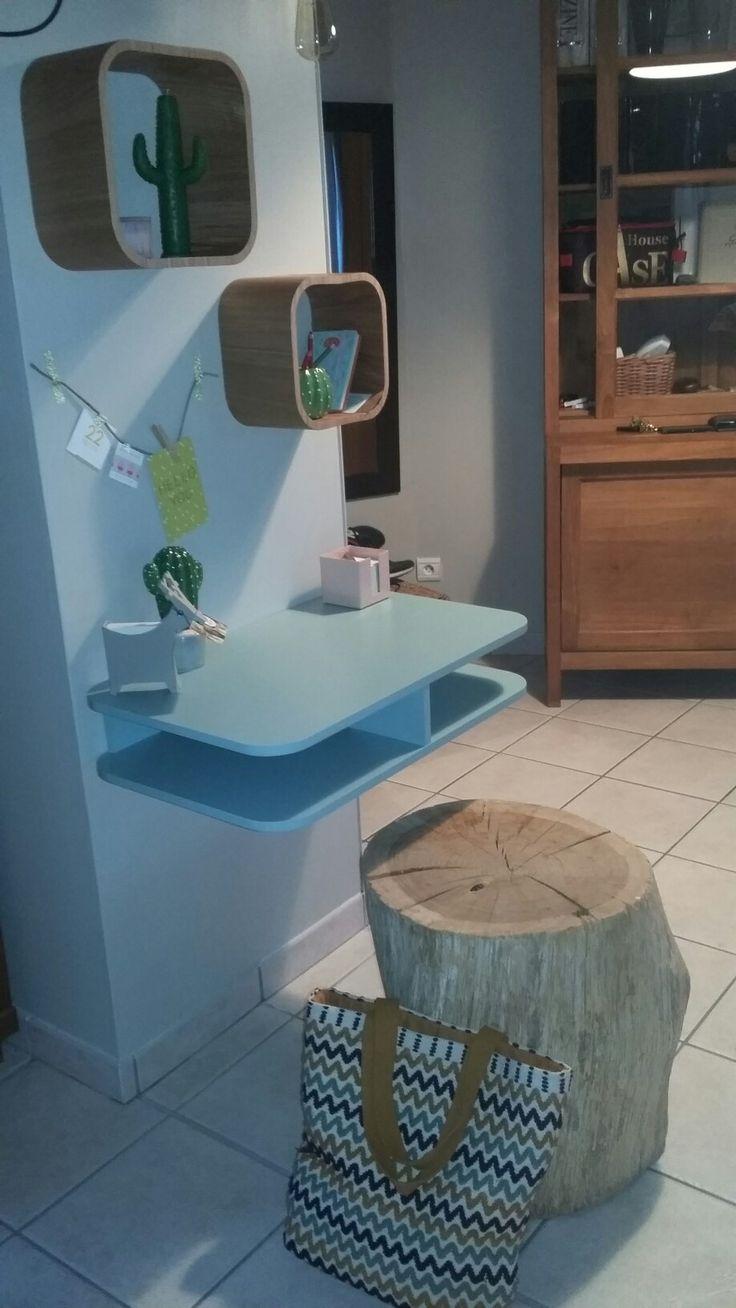Petit bureau homemade improvisé dans l'entrée