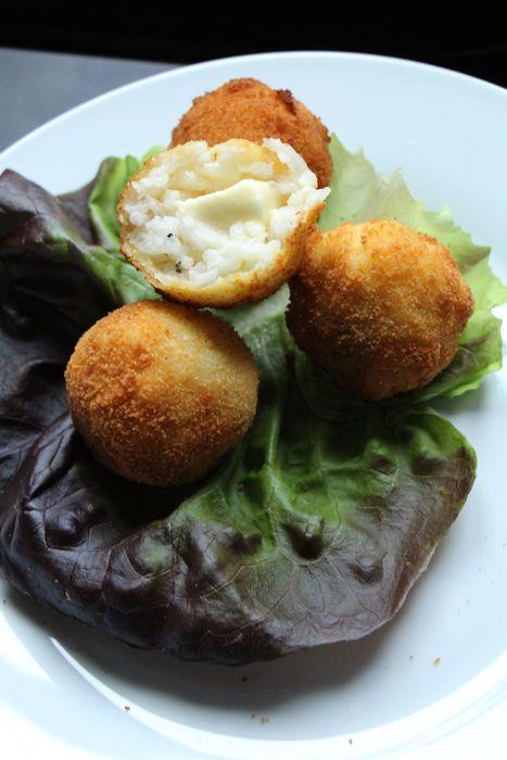 Arancini - frittierte Reisbällchen