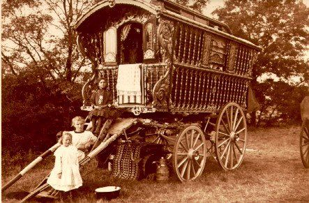Gypsy Family: Vintage Gypsy, Gypsy Soul, Gypsy Style, Vintage Photos, Gypsy Caravan, Old Wagon, Gypsy Wagon, Old Photos, Gypsy Life
