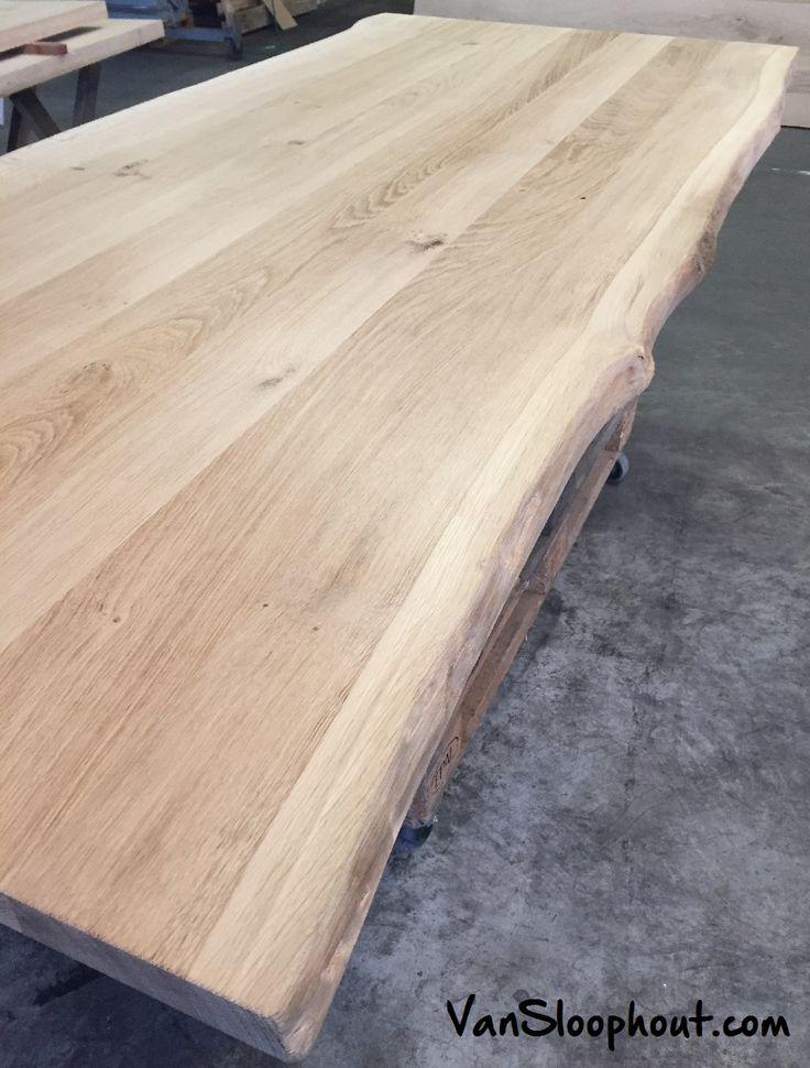 Grof boomstamblad van eiken. Te gebruiken als tafelblad. #groftafelblad #eikenblad #boomstamblad #tafel #sloophout #vansloophout.com #eiken
