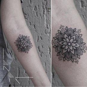 Artista Tatuador: rachainsworth. Tags: estilos, Geométricos, Blackwork, Geometría sagrada, Figuras geométricas, Formas de geometría sagrada, Mandalas, Otros, Ornamental. Partes del cuerpo: Antebrazo.