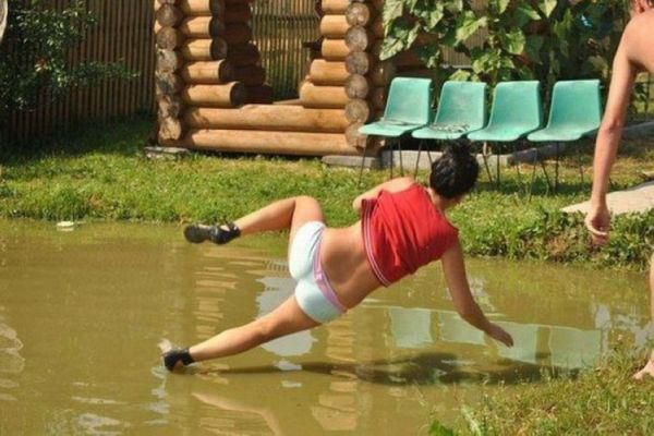 Most Embarrassing Moments Caught On Camera - 27 sport pictures caught at the perfect moment
