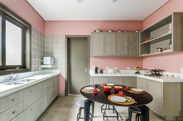 Décor do dia: cozinha retrô em tons de rosa e bege