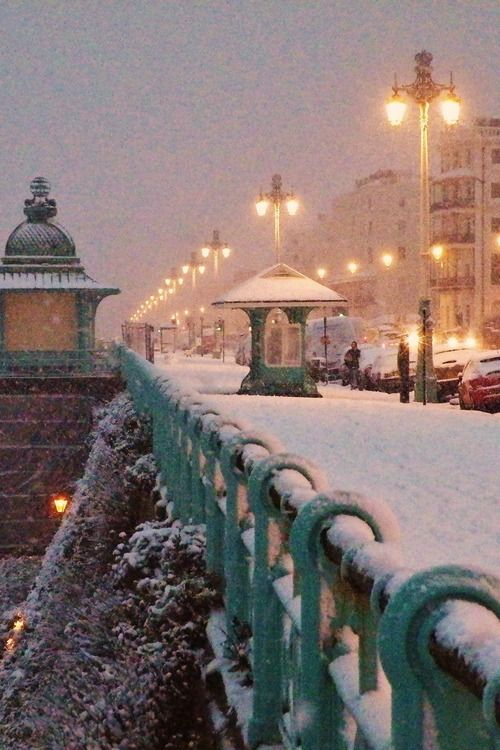 Snowy Night, Brighton, England photo via r2d2