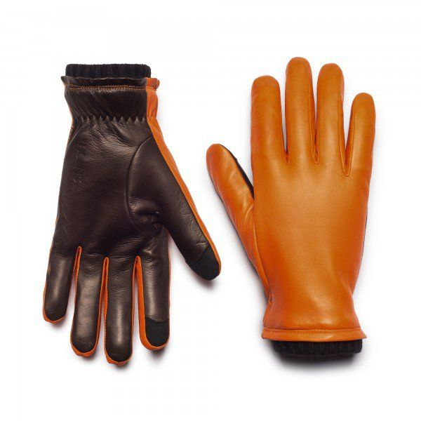 The Oliver is a modern dress glove built to weather cool days and cold nights in impeccable style. Our most formal glove is everyday-friendly as well, crafted using fine lambskin from the best English tanneries, a plush lining for softness, and a ribbed w
