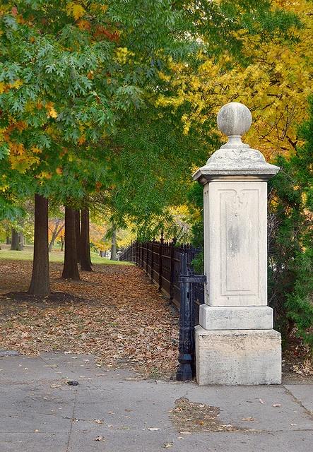 Lafayette Square Neighborhood, in Saint Louis, Missouri, USA - Lafayette Park entrance by msabeln, via Flickr