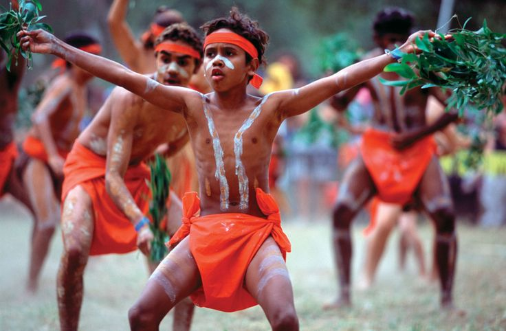 Aboriginal boys dancing in a festival, northern Queensland, Australia Photo: Paul Dymond/Alamy
