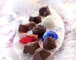 Appropriation des chocolats Lindt par les consommateurs : monde festif et magique d'où ressort une certaine légèreté. Cela confirme l'idée d'utilisation des chocolats comme objet de décoration en eux-même.