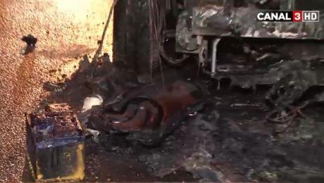Momente de groază. Un automobil din Capitală a luat foc din senin (VIDEO)