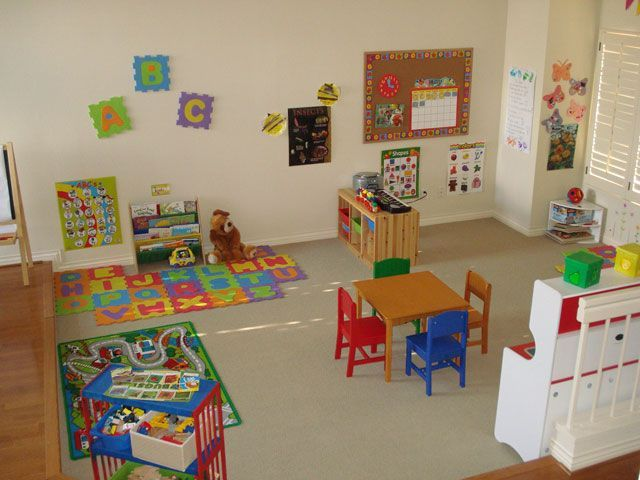 I wish i had a room this big homeschool room Dacare room designs