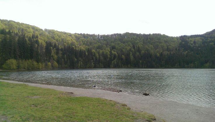 Lacul Sfânta Ana in Masivul Ciomatul, Covasna