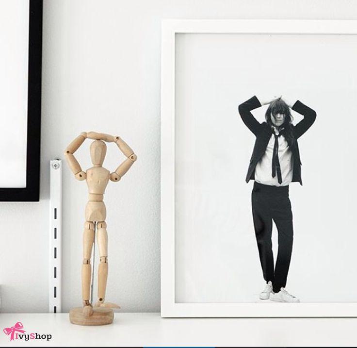 O boneco de madeira é usado para projetar poses da figura humana. Ótimo item de decoração.    Use e abuse de sua criatividade, eles são demais!     Disponível em: www.ivyshop.com.br    #articulado #boneco #decoracao #fundesign #criativos #presentes #casa #divertido #fotografia #manequim #namorados #fotografia #mimos #fofurinhas #penteadeira