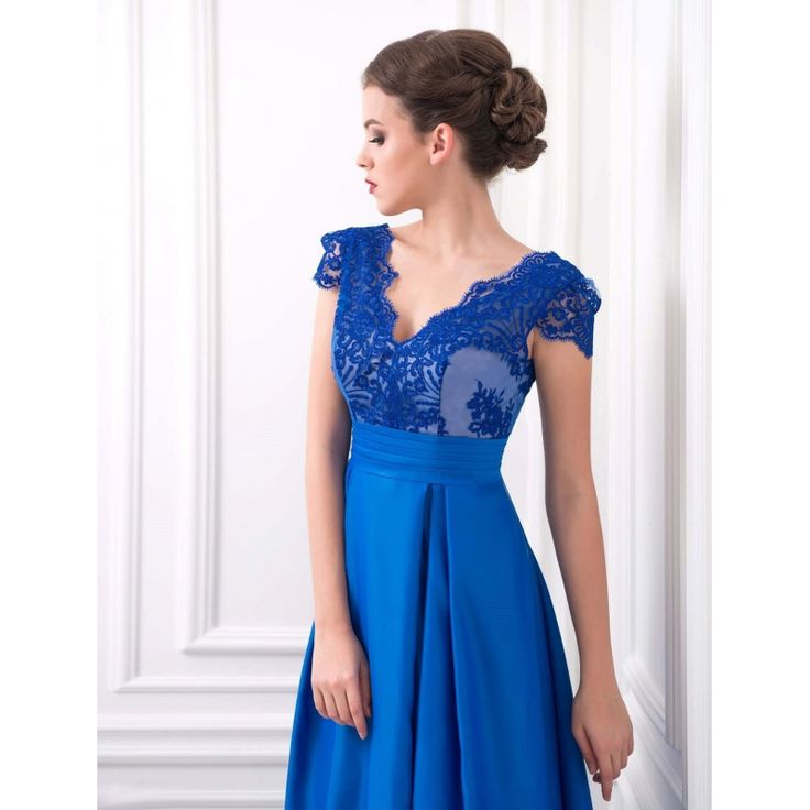 Úžasné večerné šaty s krajkovaným živôtikom