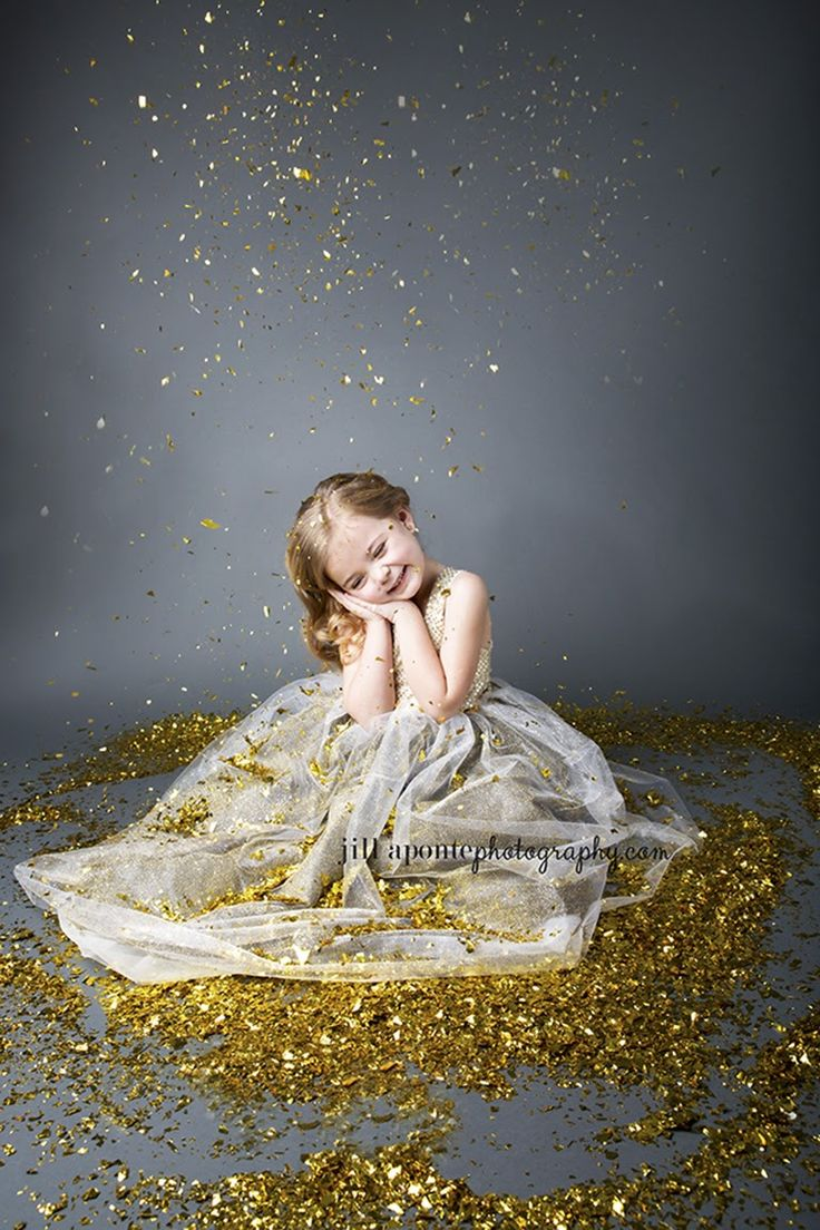 Posh Poses | Toddler Photography | New Year Inspiration | Sparkles | Dresses | Candid Fun