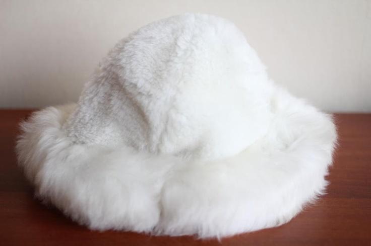 Cow leather cap, for all sizes.  dominiquecespedes@gmail.com  www.felipefuentes.cl