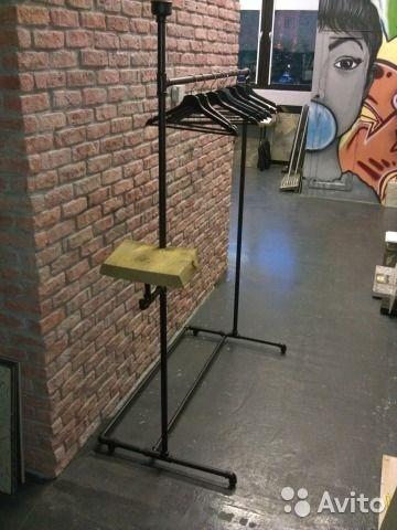 """В наличии. Самовывоз. Возможно разобрать для транспортировки.Вешалка напольная в стиле """"лофт"""".Изготовлена из стальных труб с полкой для мелких вещей (антикварная доска), вешалом, крючками для одежды, сумок и зонтов.ШхВхГ 122х185х68возможно изготовление ..."""
