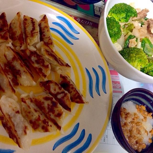 今日からごはん担当ですー - 3件のもぐもぐ - 焼きギョーザ、納豆大根、豚と豆腐とレタスの中華炒め by vivi
