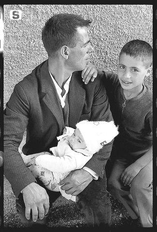 Sardegna DigitalLibrary - Immagini - Il padre di famiglia 1968