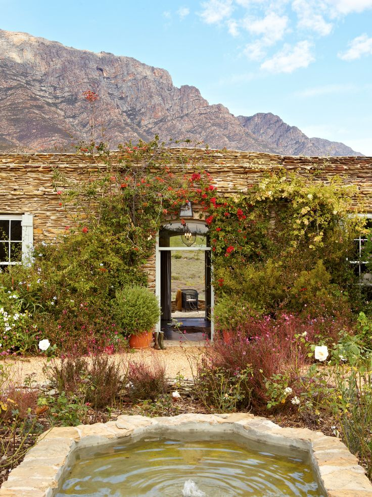 Days pass slowly in the Karoo and we suggest you spend a day in the pool- enjoy a cocktail and the panoramic views of this most pristine part of the country- and a cooler day in front of a roaring fire. http://www.perfecthideaways.co.za/Details/Bobbejaansberg?Itemid=