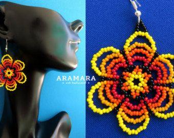 Arte de AF-0024 Huichol Huichol flor con cuentas por Aramara