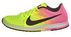 Las zapatillas de running Nike Air Zoom Streak 6 son sin duda una de las zapatillas más famosas por ser el modelo que más usan corredores profesionales de la categoría de Eliud Kipchoge, quien ganó el maratón de Berlín en 2015 con media plantilla por fuera y recientemente se ha proclamado campeón olímpico de maratón en Río 2016.