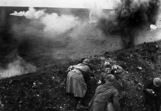 rench troops under shellfire during the Battle of Verdun. (Photo by General Photographic Agency/Gett... - General Photographic Agency/Getty Images