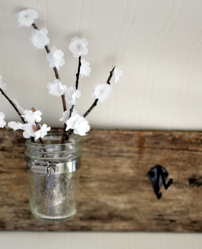 Awesome DIY key holder. I really want to make one with the cute flower jar!
