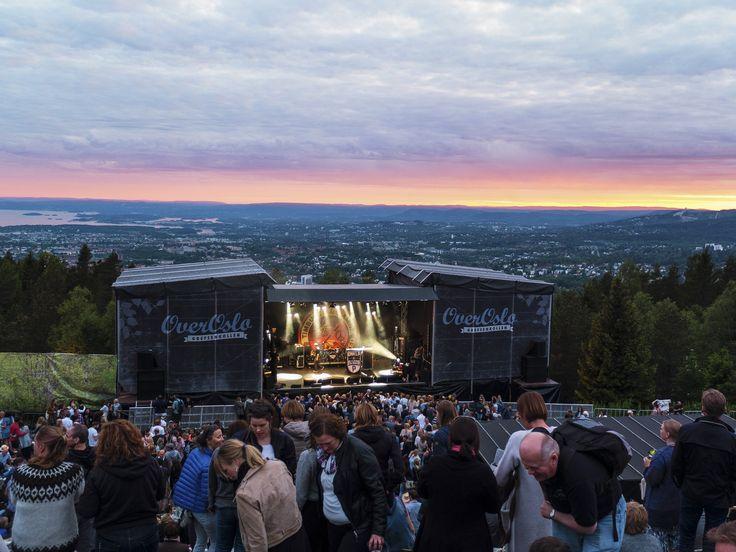 https://flic.kr/p/uWQAKJ | Over Oslo - Waiting for Onkl P