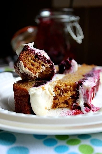 Brown Sugar Shortcake with Roasted Blueberries and Whipped Vanilla Cream Cheese Frosting - #Food #Recipe